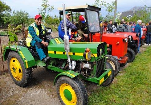 miko_traktory-vystava5_120515_res.jpg