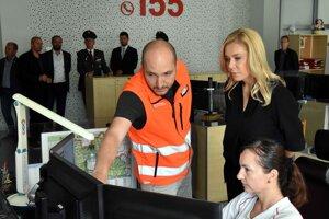Ministerka vnútra Denisa Saková pri otvorení zrekonštruovaných priestorov.