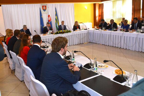 Výjazdové rokovanie vlády v Čani.