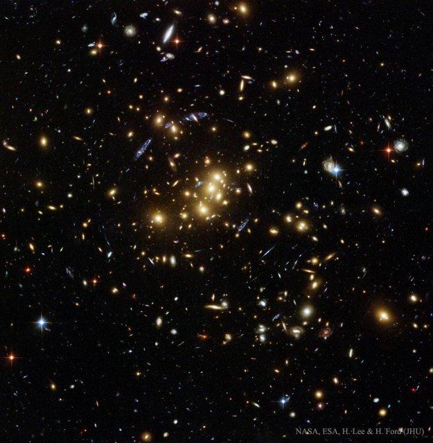Galaktická kopa CL0024+1654.