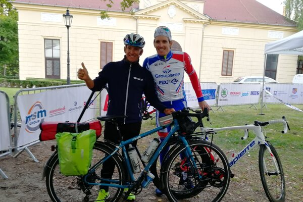 Otec a syn: Josué a Arnaud Demarovci.