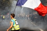 V Paríži došlo aj k násiliu