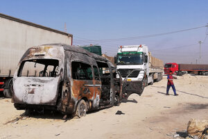 Pri výbuchu mikrobusu zahynulo 12 ľudí.