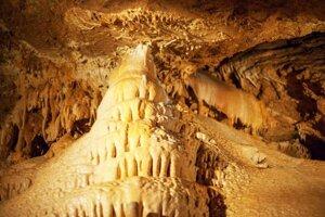 V jaskyni Driny verejnosti sprístupnia aj neprístupnú časť.
