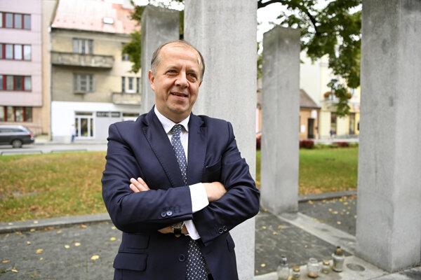 Primátor Trenčína Richard Rybníček pred Krajským súdom v Trenčíne po uznesení.