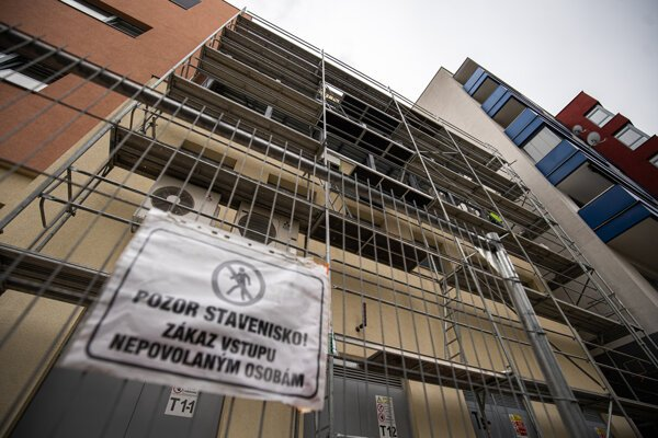 Nadstavba operačnej sály nad energocentrom Nemocnice sv. Michala v Bratislave.