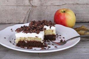 Fantastický jablkový koláč so smotanovou náplňou