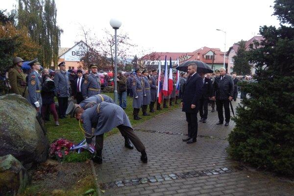 V Detve si v sobotu pripomenuli 75 rokov od jedinej partizánskej prehliadky.