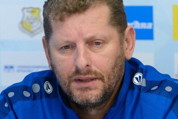 Nitriansky tréner Marián Süttö bude mať zajtra stretnutie s vedením klubu.