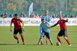 Kovarce v Kozárovciach inkasovali šesť gólov.