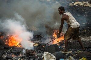 Fotografia z filmu Vitajte v Sodome, ktorý zachytáva problém elektroodpadu v Afrike