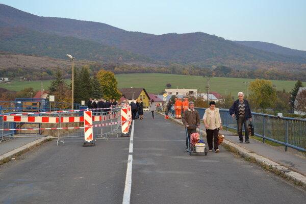Most je len pre peších a cyklistov.
