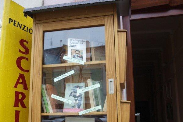 Miniknižnica na námestí v Trenčíne