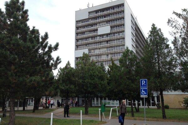 Novozámocká nemocnica.