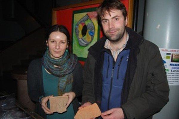 Archeológovia Milan Horňák a Jana Stehlíková