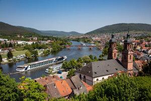 Výletné lode sa vďaka kanálu Rýn - Mohan - Dunaj odtiaľto dostanú aj do našich končín.