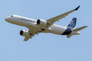 Airbus A220.
