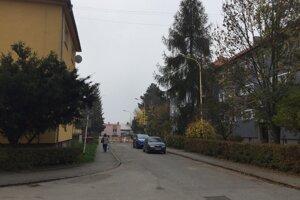 Engelsova ulica na Sídlisku II, ktoré je dnes vychytenou lokalitou v Prešove.
