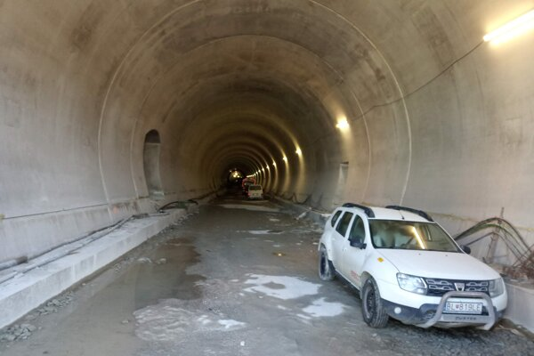 Tunel Višňové - Dubná Skala čaká na súťaž.