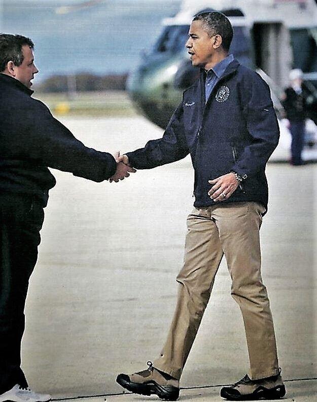 Obrázok, na ktorom je americký exprezident Barack Obama v topánkach firmy Botex, majú v rimavskosobotskej prevádzke na nástenke.