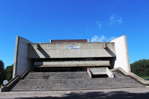 Schody k Domu umenia v Piešťanoch