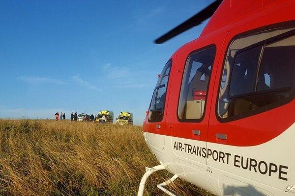 Vrtuľník pristal pri nehode.