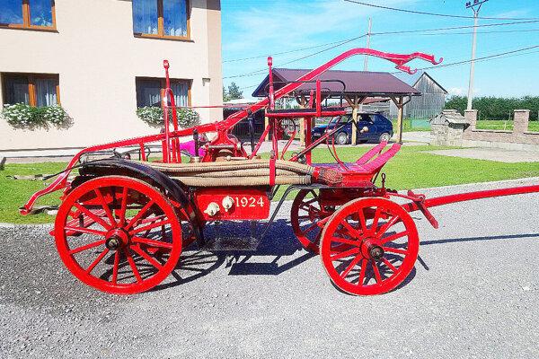 Nová konská striekačka, ktorú majú suchohorskí hasiči.