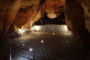 Priestranstvo v bočnej časti jaskyne  Domica.