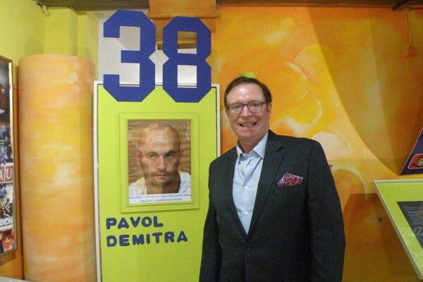 Terry Lee Christensen navštívil aj ZŠ Pavla Demitru v Dubnici.