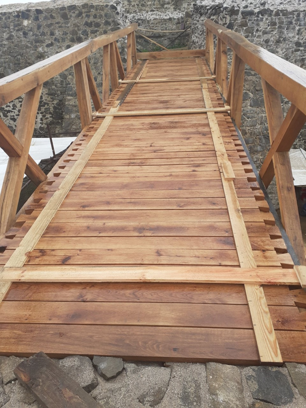 Most na hrade Šariš.