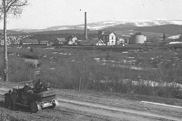 Rafinéria pred Trstenou bola počas vojny strategickým objektom.
