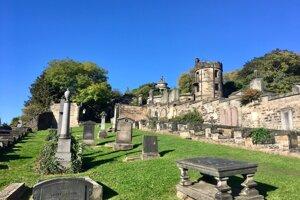 Cintorín Greyfriaras, kde J.K. Rowlingová hľadala inšpiráciu pre knihy o Harrym Potterovi.