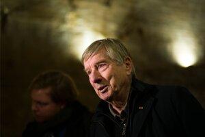Ulrich Pfeifer pomáhal kopať únikový tunel pod Berlínskym múrom.