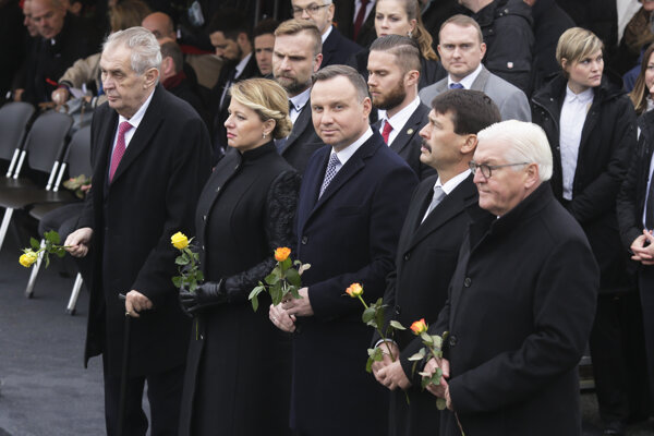 Prezidenti V4 s nemeckým prezidentom Steinmeierom.