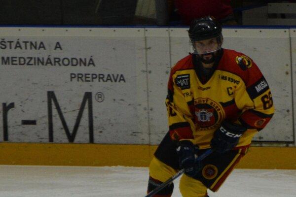 Prvý gól Topoľčian na ľade v Žiline strelil Miloš Bystričan.