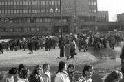 Zhromnaždenie na Leninovom námestí v Žiline.