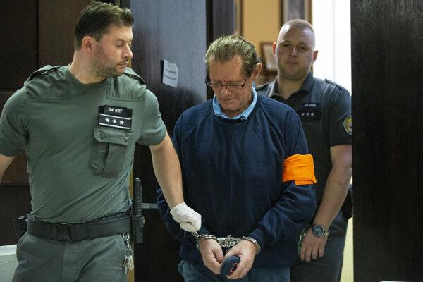 Obžalovaný v kauze IRIS  - zariadenia pre seniorov Ivan B. počas hlavného pojednávania na Okresnom súde v Bratislave 18. októbra 2019.