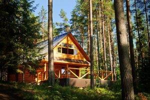 Ľudia pred dôchodkom kupujú chaty aj na celoročné bývanie.