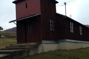 Atrakciou Havranca je drevený kostolík.