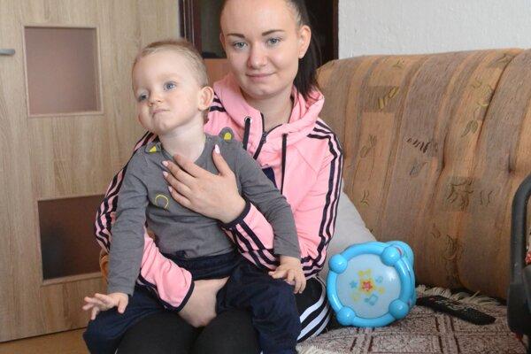 Mladá mamička verí, že Matiaskovi by v Adeli Medical Centre dokázali pomôcť. Tento rehabilitačný pobyt je však pre mladnú rodinu z hľadiska ceny nedosiahnuteľný.