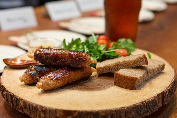 Klobása z kultivovaného mäsa od New Age Meats