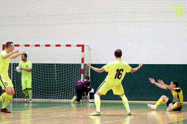 Radosť hráčov MŠK po strelenom góle. (Ilustračné foto)