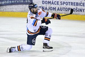Hráč Juraj Milý (Košice) sa teší po góle v zápase 27. kola hokejovej Tipsport ligy HK Dukla Trenčín - HC Košice v Trenčíne.