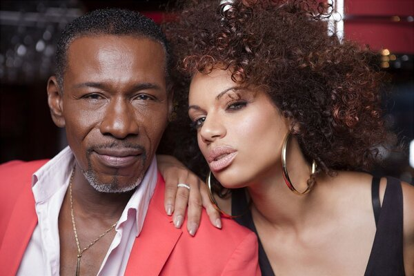 Natascha Wright a Alfred McCrary.