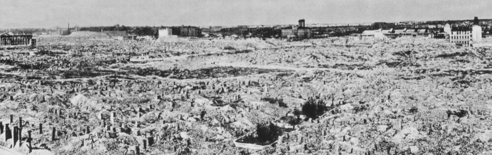Varšava po bombardovaní v roku 1944.