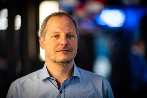 Ľubor Illek je spoluzakladateľ občianskeho združenia Slovensko.Digital. Je odborníkom na informačnú bezpečnosť a venuje sa témam verejnej správy.