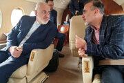 Vľavo vedec Massoud Soleiman a vpravo iránsky minister zahraničných vecí Mohammad Džavád Zaríf.