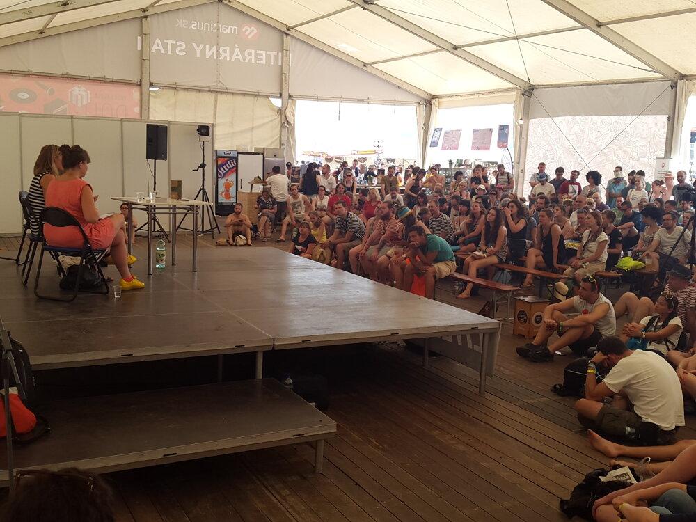 Diskusia na festivale Pohoda s autorkou knihy Jeden z nás: Príbeh o Nórsku Åsne Seierstad.