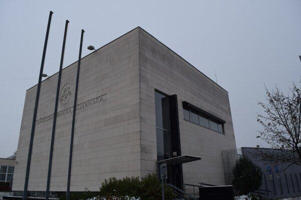 Bývalá pobočka Národnej banky v Lučenci sa zmení na inovačné centrum.