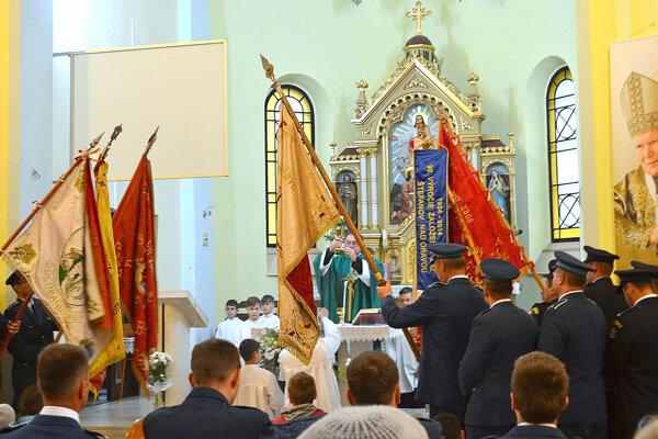 Slávnostná svätá omša za dobrovoľných hasičov.